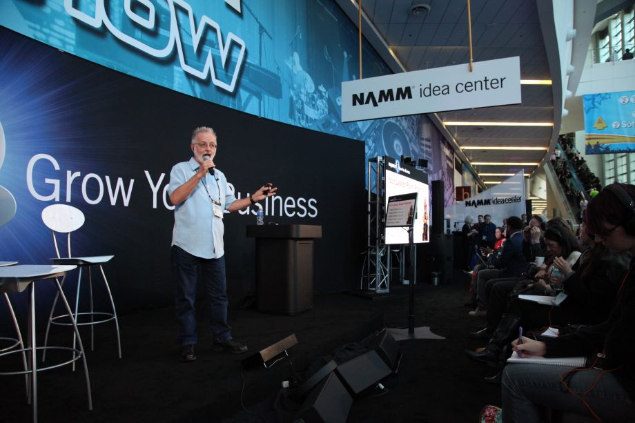Pete Gamber presents at the Idea Center (Photo by NAMM Staff)