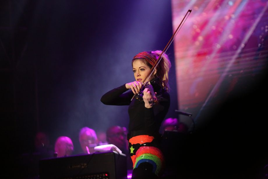 Lindsey Stirling dazzles the audience at the Yamaha All-Star Concert on the Grand 2018.
