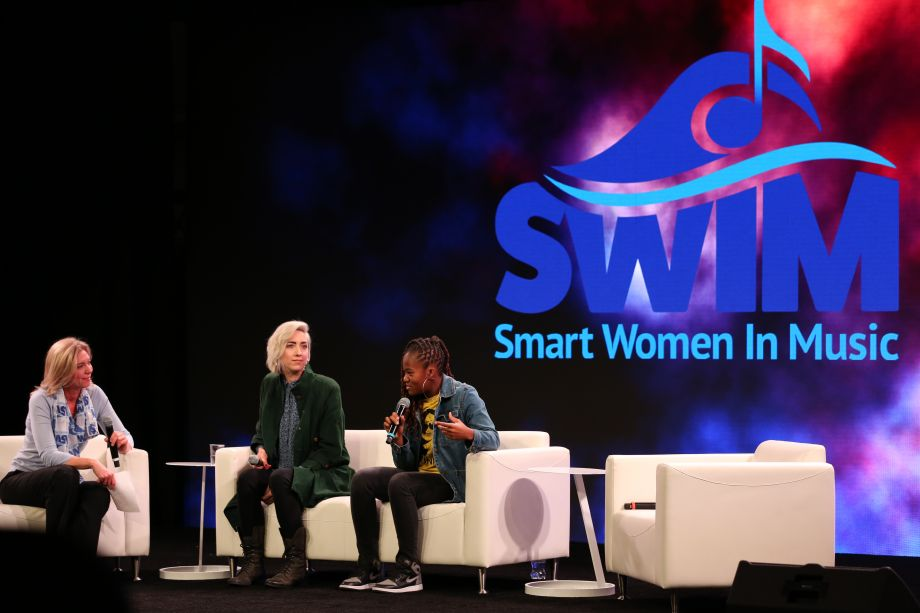 Smart Women In Music Reception