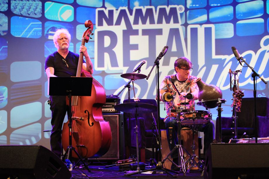 Lively opening band for Retail Summit this morning! Dave Roe on bass, Dann Sherill on percussion and Tim Carter on banjo.