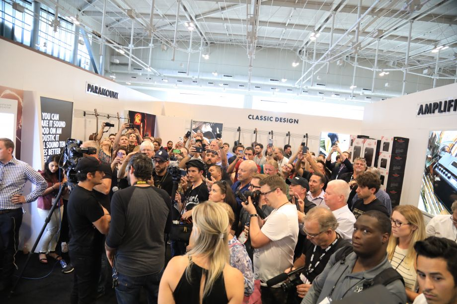 Brad Paisley answers questions from fans and guitar enthusiasts at Summer NAMM.